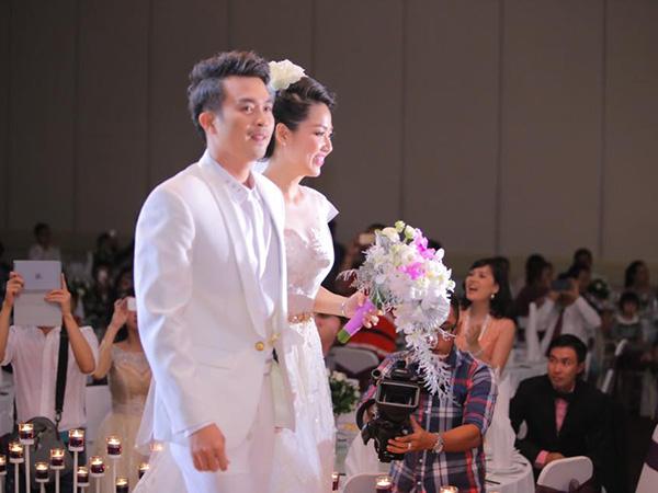 Lê Khánh - Tuấn Khải ngập tràn hạnh phúc chào đón năm mới 2015 - Ảnh 4