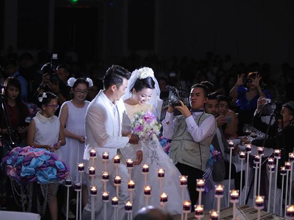 Lê Khánh - Tuấn Khải ngập tràn hạnh phúc chào đón năm mới 2015 - Ảnh 5