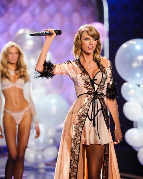 """Taylor Swift - """"thiên thần danh dự"""" của Victoria's Secret - Ảnh 2"""