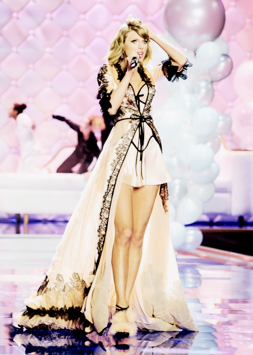 """Taylor Swift - """"thiên thần danh dự"""" của Victoria's Secret - Ảnh 6"""