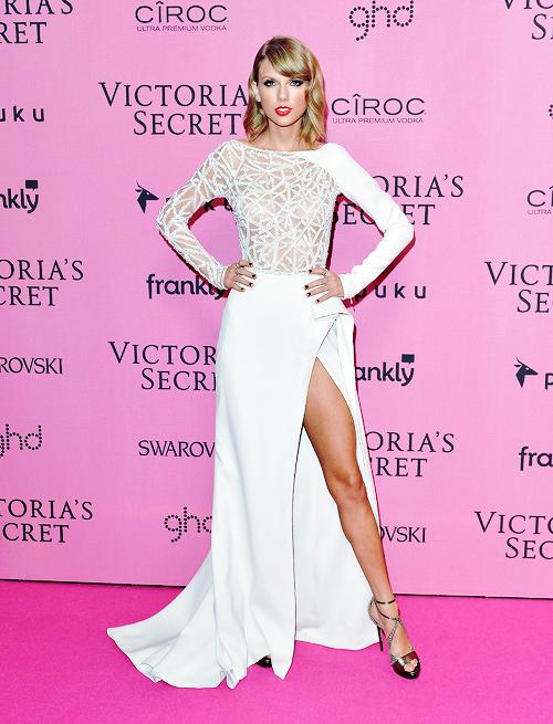"""Taylor Swift - """"thiên thần danh dự"""" của Victoria's Secret - Ảnh 13"""