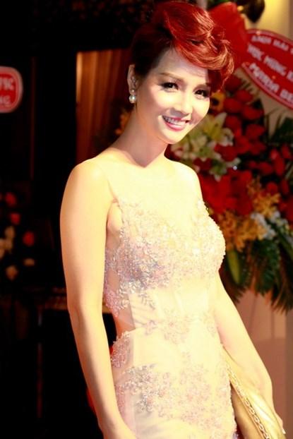 Lộ diện em gái xinh đẹp của Mai Thu Huyền - Ảnh 3