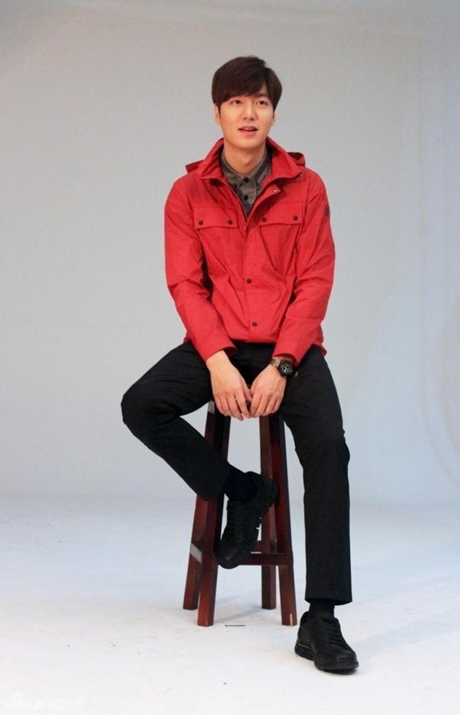 So độ nam tính của Lee Min Ho - Kim Woo Bin - Ảnh 2