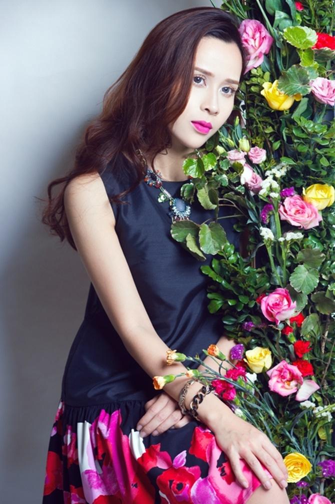 Lưu Hương Giang đẹp cuốn hút tung sản phẩm tình yêu dịp Valentine - Ảnh 8