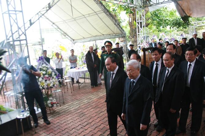 Lãnh đạo Đảng, Nhà nước viết gì trong sổ tang viếng ông Thanh? - Ảnh 1