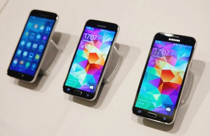 Top smartphone cấu hình cao giảm giá sốc dịp Tết Nguyên đán 2015 - Ảnh 4