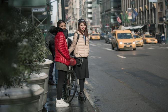 """Mâu Thủy và Quỳnh Châu """"cặp kè"""" ở New York - Ảnh 6"""