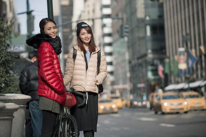 """Mâu Thủy và Quỳnh Châu """"cặp kè"""" ở New York - Ảnh 7"""
