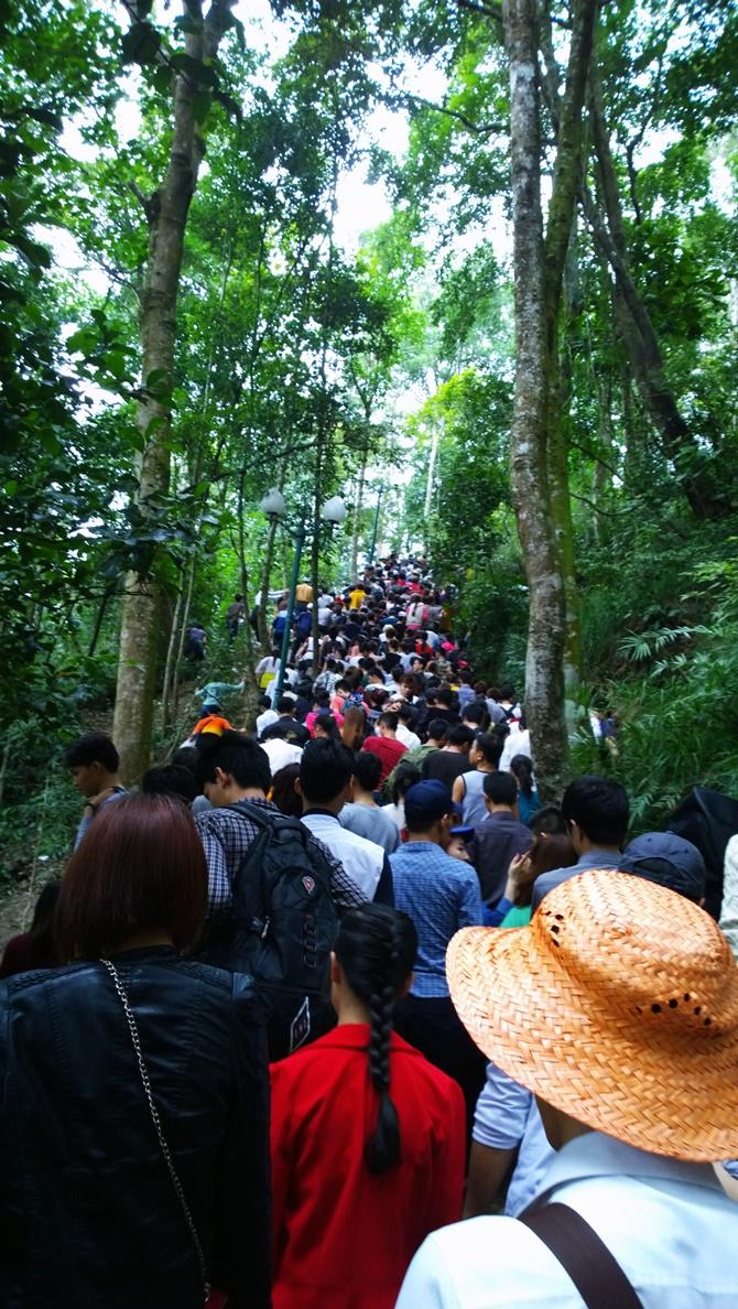 Chùm ảnh hàng triệu du khách đổ về dự khai hội Yên Tử 2015 - Ảnh 6