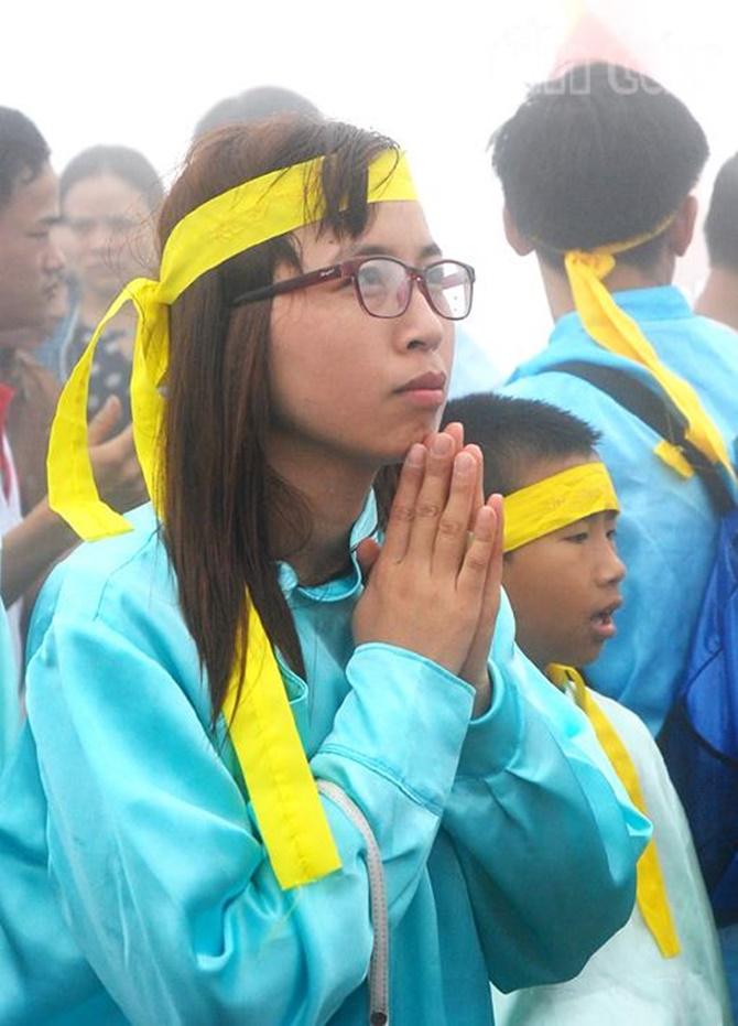 Chùm ảnh hàng triệu du khách đổ về dự khai hội Yên Tử 2015 - Ảnh 7