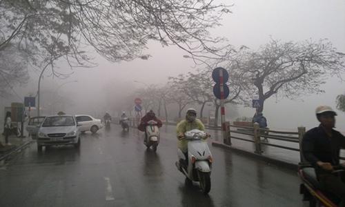 Thời tiết hôm nay (10/3): Miền Bắc mưa rét, miền Nam nắng nóng - Ảnh 1