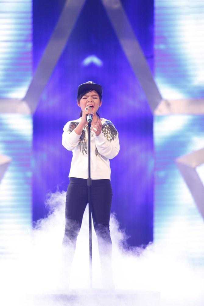 """Vietnam's Got Talent: """"Tiểu Hồ ly"""" 4 tuổi """"hạ gục"""" bộ tứ quyền lực - Ảnh 4"""