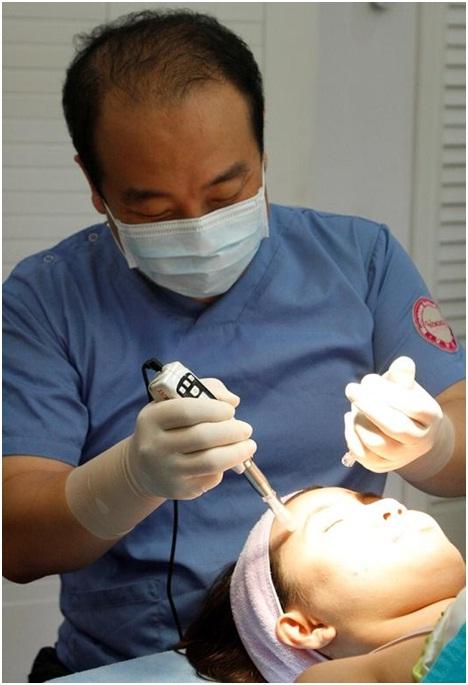 Giải pháp hoàn hảo cho người bị sẹo rỗ, sẹo lõm, lỗ chân lông thô - Ảnh 1