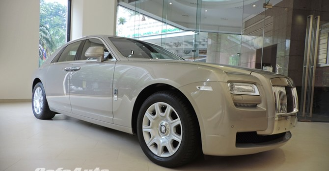 Cận cảnh Rolls-Royce chính hãng về Việt Nam, giá gần 19 tỷ đồng - Ảnh 1