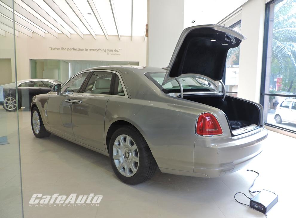 Cận cảnh Rolls-Royce chính hãng về Việt Nam, giá gần 19 tỷ đồng - Ảnh 6