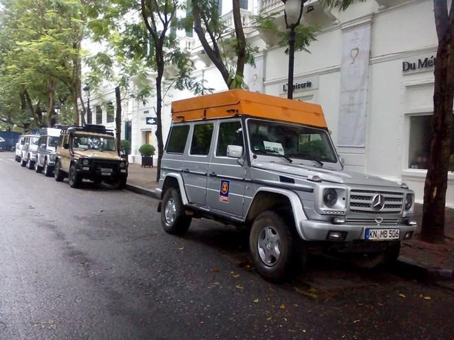 10 chiếc Mercedes G-Class xuyên thế giới đến Hà Nội - Ảnh 1