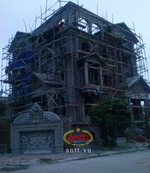 Hà Nội: Lâu đài xa hoa trong khu đô thị bình dân - Ảnh 1