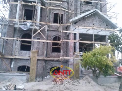 Hà Nội: Lâu đài xa hoa trong khu đô thị bình dân - Ảnh 3