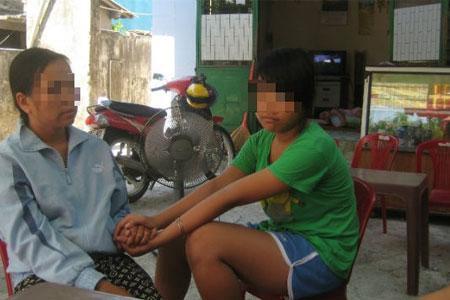 Giờ học giới tính, bé gái tiết lộ bị cha đẻ hãm hiếp - Ảnh 1