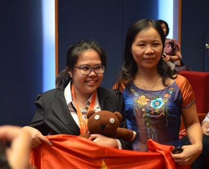 Việt Nam giành 2 huy chương Vàng Hoá học quốc tế - Ảnh 1
