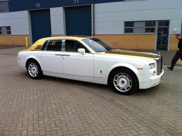 Rolls Royce Phantom bọc 120kg vàng khối trị giá 170 tỷ đồng - Ảnh 1