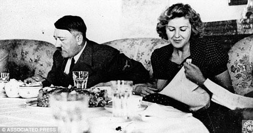 Cuộc sống địa ngục của người nếm thức ăn cho Hitler - Ảnh 2