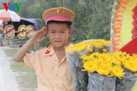 Nhiều người dân đến viếng mộ Đại tướng những ngày giáp Tết - Ảnh 17