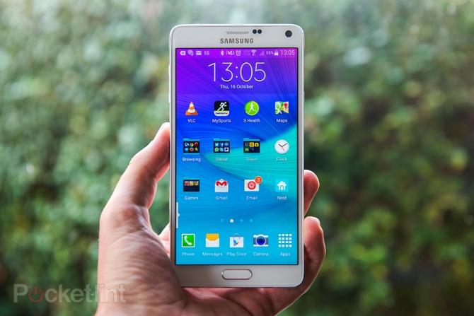 Những smartphone màn hình lớn đáng mua nhất đầu năm 2015 - Ảnh 3