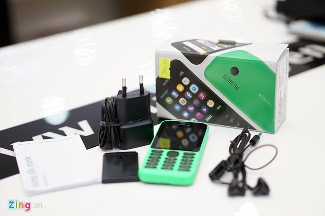 Mở hộp Nokia 215 pin chờ 27 ngày giá 790.000đ - Ảnh 2