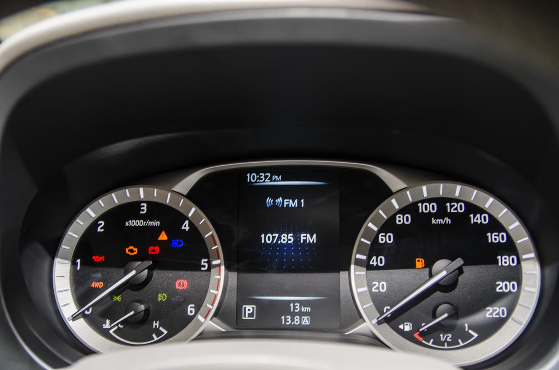 """Nissan Navara NP300 ra mắt: Sự trở lại của """"nhà vua"""" - Ảnh 5"""