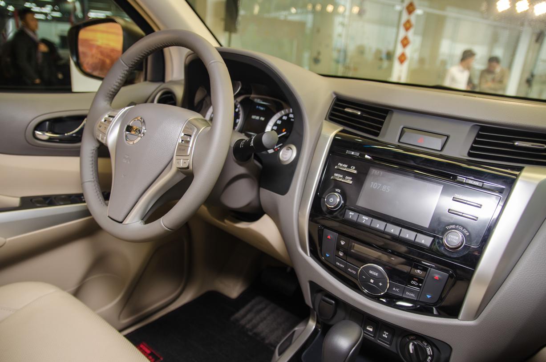 """Nissan Navara NP300 ra mắt: Sự trở lại của """"nhà vua"""" - Ảnh 3"""