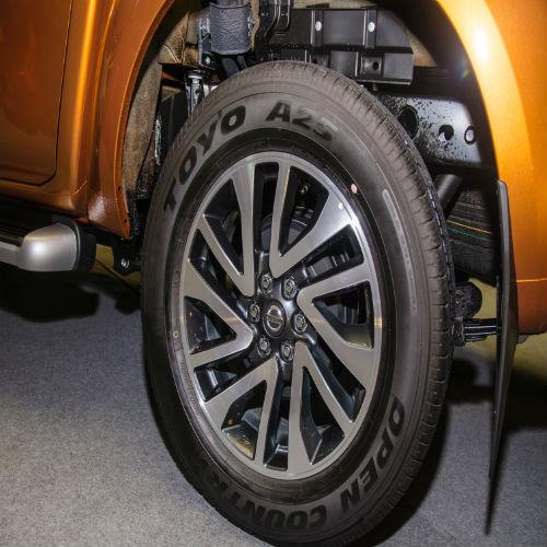 Cảm nhận ban đầu Nissan Navara NP300 2015 - Ảnh 11