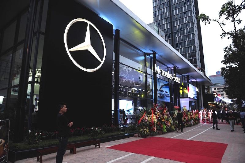 Mercedes-Benz và Haxaco khai trương showroom mới tại Hà Nội - Ảnh 1