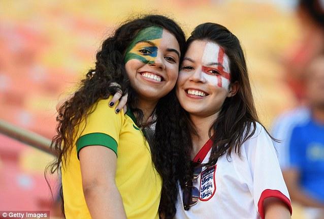 Cổ động viên nữ đội tuyển Brazil lên ngôi nữ hoàng World Cup 2014 - Ảnh 10