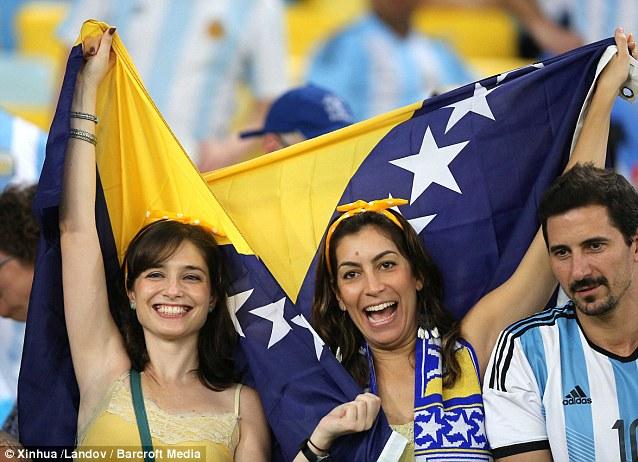 Cổ động viên nữ đội tuyển Brazil lên ngôi nữ hoàng World Cup 2014 - Ảnh 15