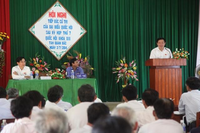 Trưởng ban Kinh tế Trung ương tiếp xúc cử tri tại Bình Định - Ảnh 2