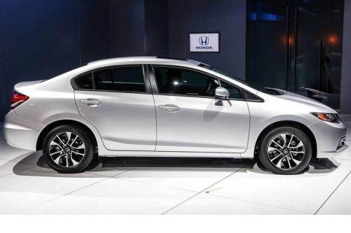 Honda Civic 2015: Nâng cấp nhỏ, giá cực mềm - Ảnh 1