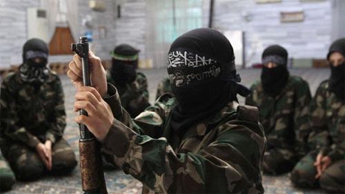 Tiết lộ động trời về kẻ điều hành các nhà thổ của IS - Ảnh 2