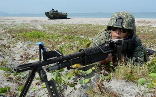 Mỹ, Nhật, Philippines diễn tập hải quân trên Biển Đông - Ảnh 1