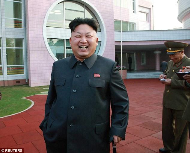 Nhà lãnh đạo Kim Jong-un thăm trại trẻ mồ côi ở Bình Nhưỡng - Ảnh 1