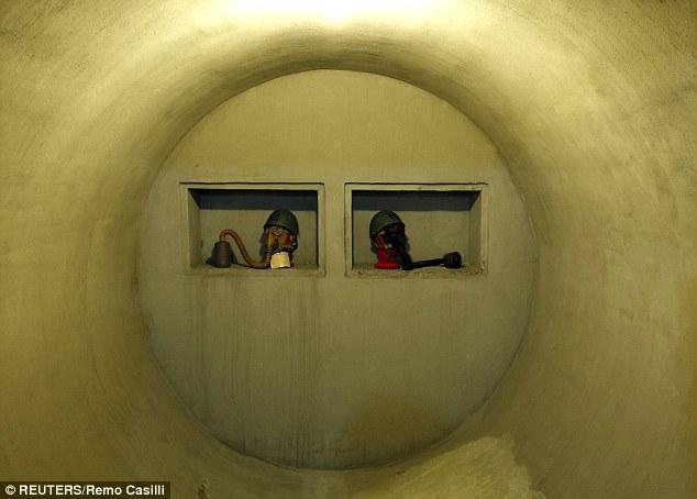 Khám phá căn hầm trú ẩn tuyệt mật của trùm phát xít Mussolini - Ảnh 3