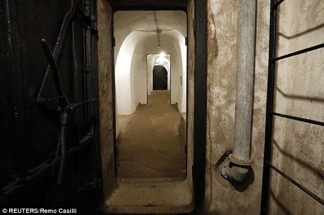 Khám phá căn hầm trú ẩn tuyệt mật của trùm phát xít Mussolini - Ảnh 4