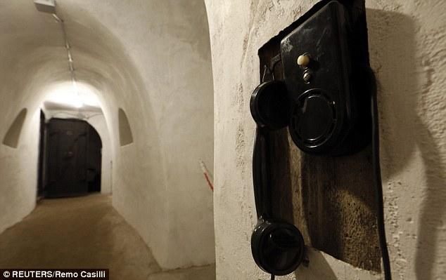 Khám phá căn hầm trú ẩn tuyệt mật của trùm phát xít Mussolini - Ảnh 5