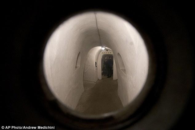 Khám phá căn hầm trú ẩn tuyệt mật của trùm phát xít Mussolini - Ảnh 7
