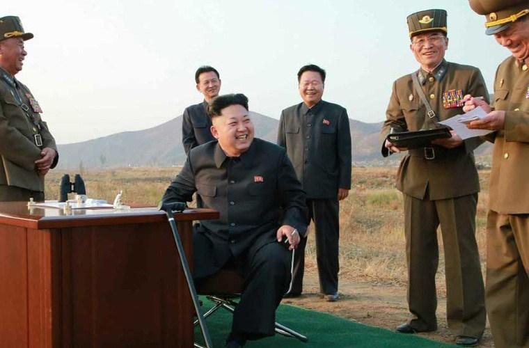 Nhà lãnh đạo Kim Jong-un trực tiếp vào buồng lái máy bay MiG-29   - Ảnh 2