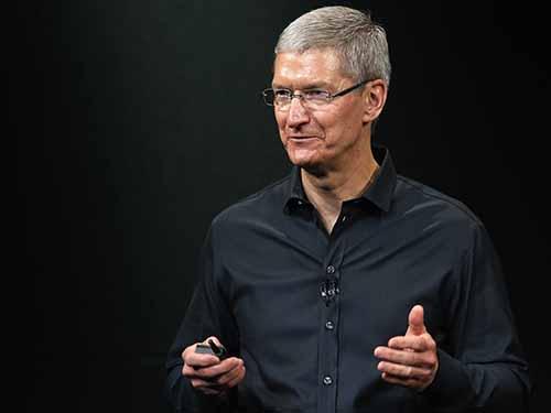 CEO Apple Tim Cook tự hào là người đồng tính - Ảnh 1
