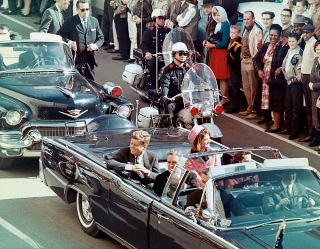 Chùm ảnh: Toàn cảnh vụ ám sát Tổng thống Kennedy - Ảnh 2