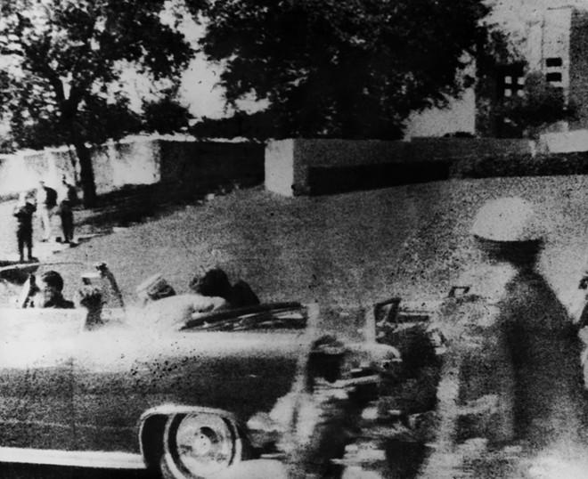 Chùm ảnh: Toàn cảnh vụ ám sát Tổng thống Kennedy - Ảnh 3