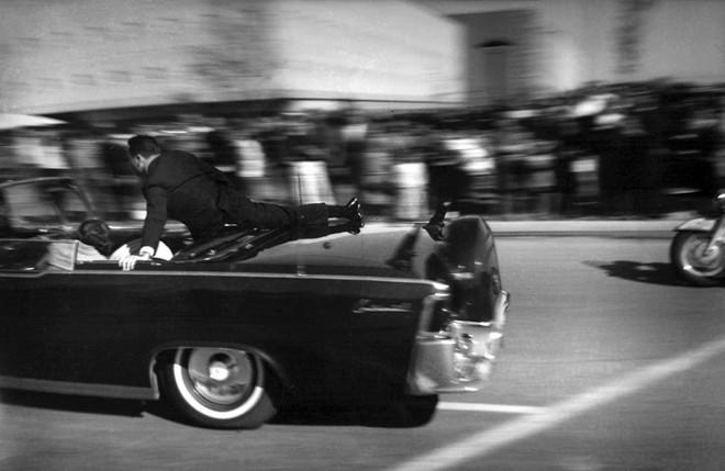 Chùm ảnh: Toàn cảnh vụ ám sát Tổng thống Kennedy - Ảnh 4
