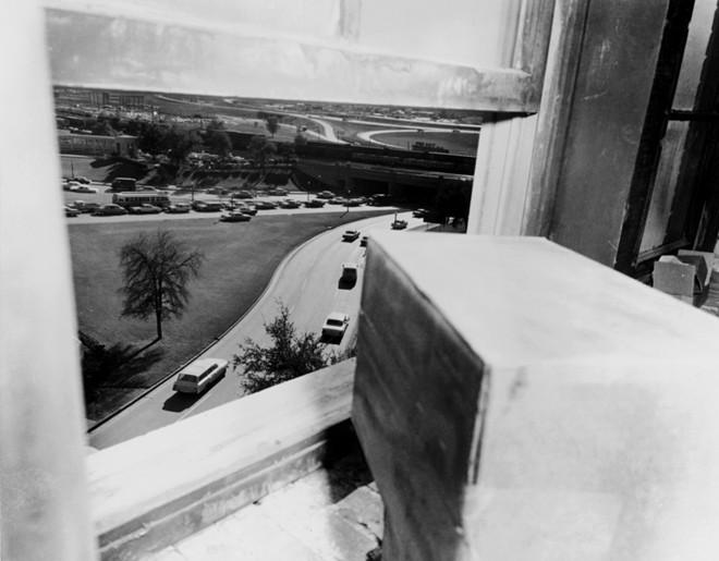 Chùm ảnh: Toàn cảnh vụ ám sát Tổng thống Kennedy - Ảnh 5